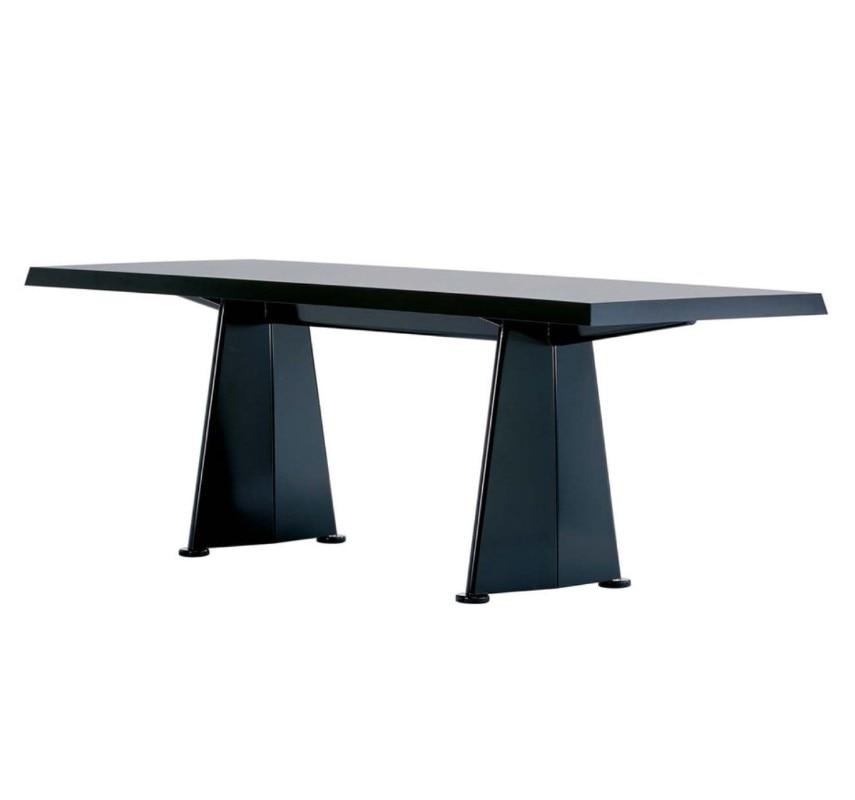 Tavoli Di Plastica Quadrati.20 Imperdibili Tavoli Di Design I Migliori Tavoli Da Le Corbusier A
