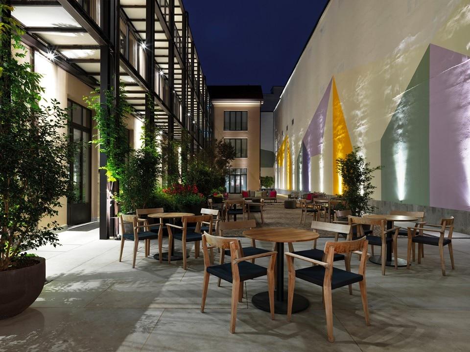 Savona 18 suites the new hotel by aldo cibic in the heart for Negozi arredamento casa savona