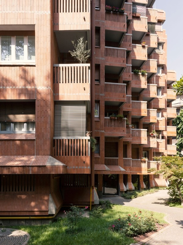 The residential building by Gian Paolo Valenti (1959-1962), via Carlo Botta 43, Milan
