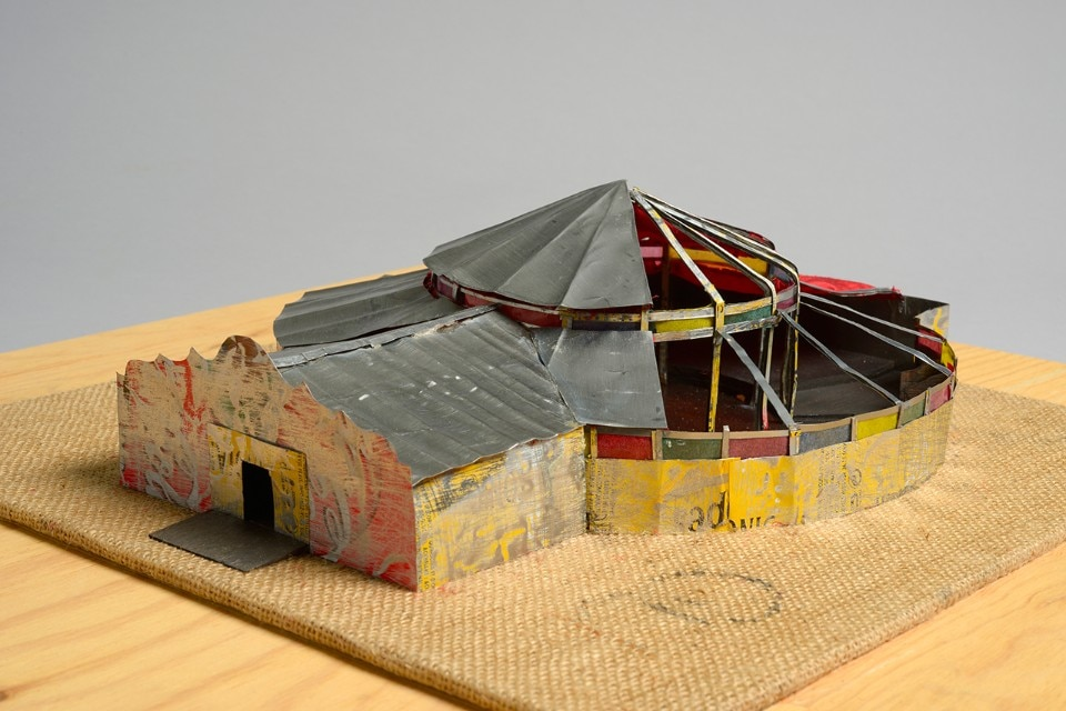 Le Cabaret Sauvage, Parc de la Villette, Paris, 1997. Model. Wood, cloth, plastic, aluminium, lead. 10 x 57 x 57 cm Event. An event has to make the maximum impact, exploiting illusion, the careful use of materials and an innovative programme. This makes its collaborations key – e.g. with artists of the calibre of Daniel Buren and Claes Oldenburg. Collection FRAC Centre-Val de Loire. Gift by Patrick Bouchain. Photo François Lauginie