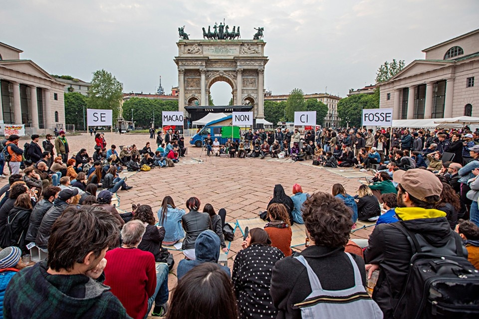 Macao, public assembly at the Arco della Pace, Milan, 2017