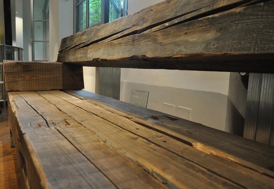 Piet hein eek arredi grezzi in ferro e legno domus for Mazzocchi strutture in legno