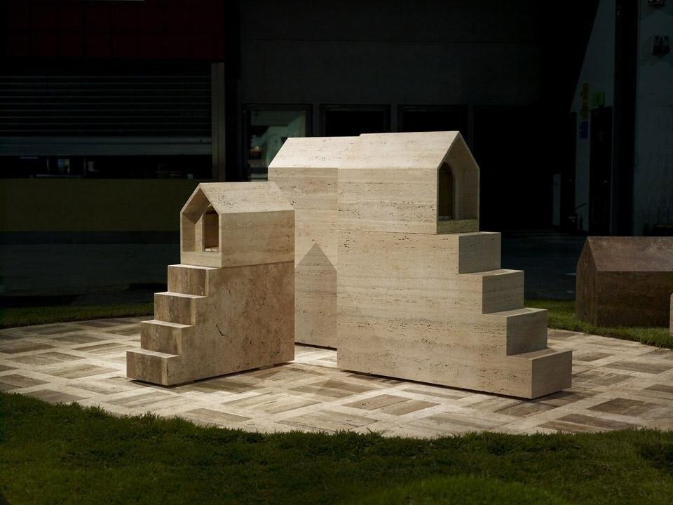 Raffaello galiotto pets village domus for Mazzocchi strutture in legno