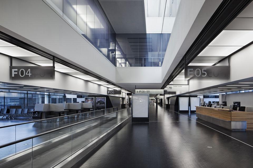 Aeroporto Vienna : Baumschlager eberle ampliamento aeroporto