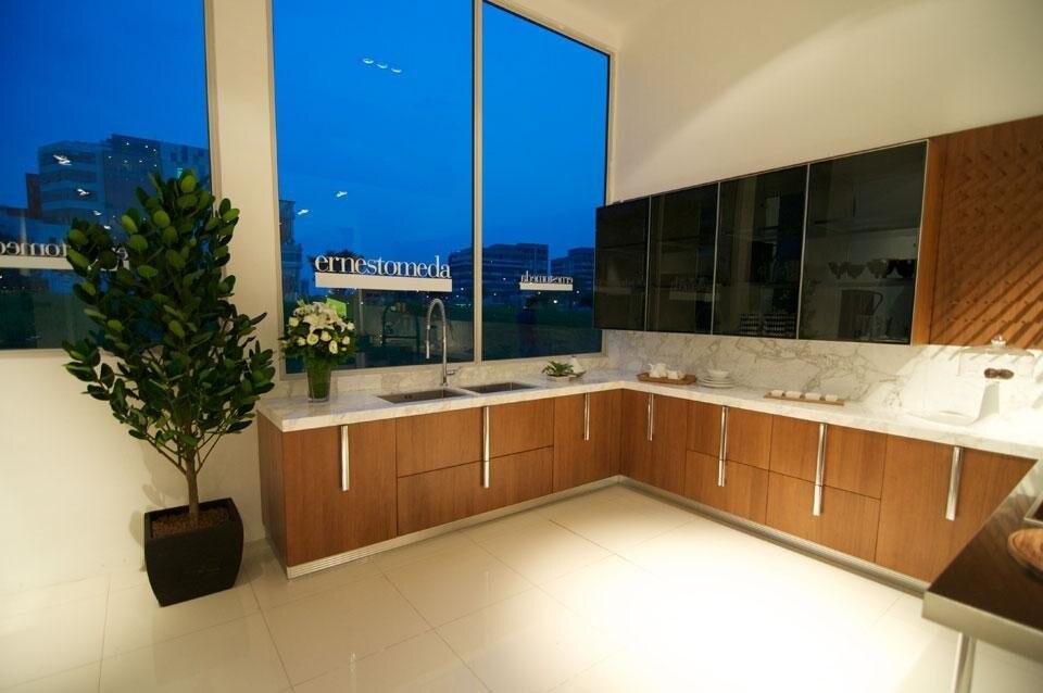 Ernestomeda a singapore domus - Cucine fascia alta ...
