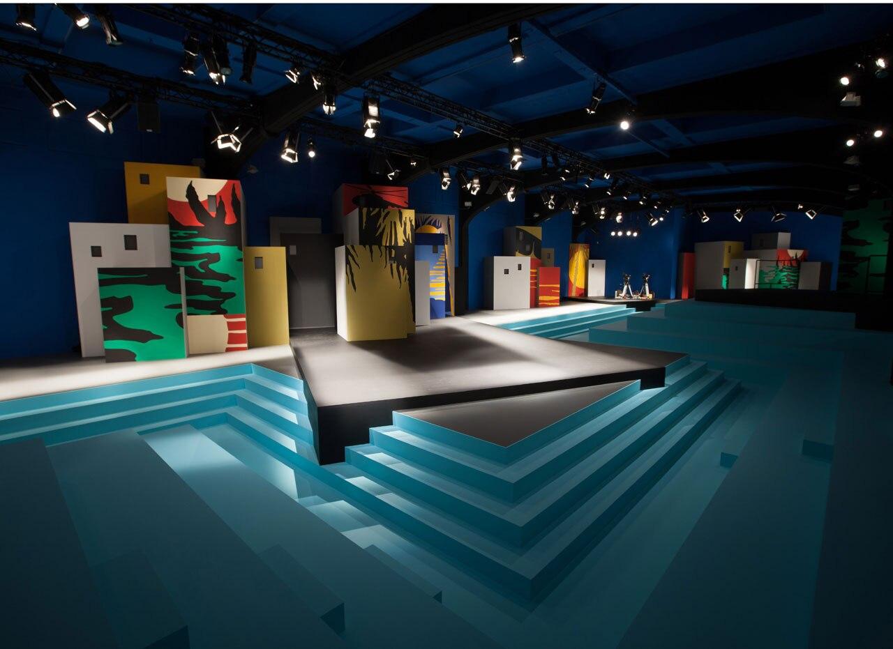 Stage Design For Summer Fashion Show Volvoab