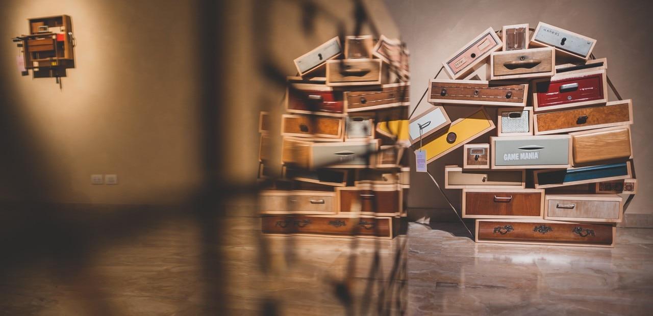 Cassetti tra Arte e Design