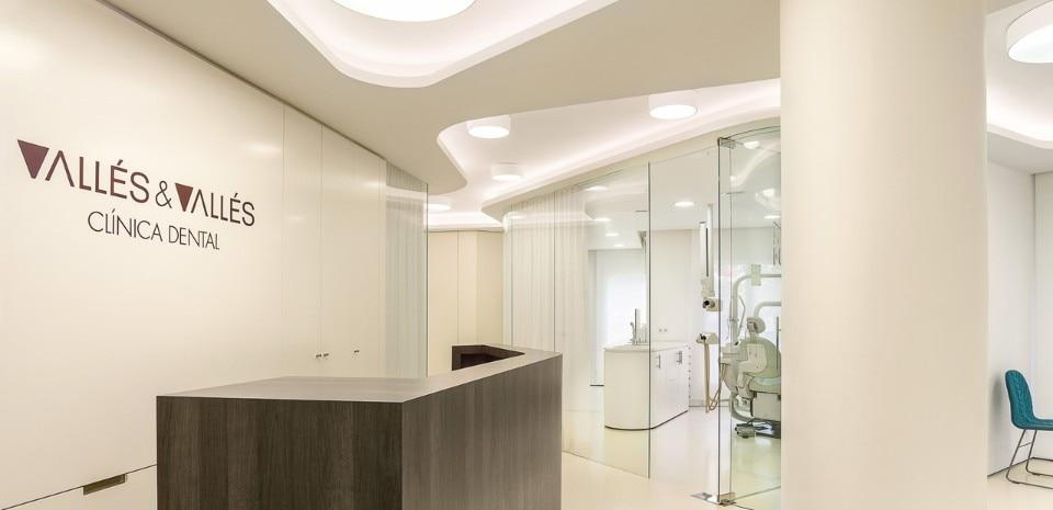 Ylab clinica dentistica domus - Interni arquitectos ...