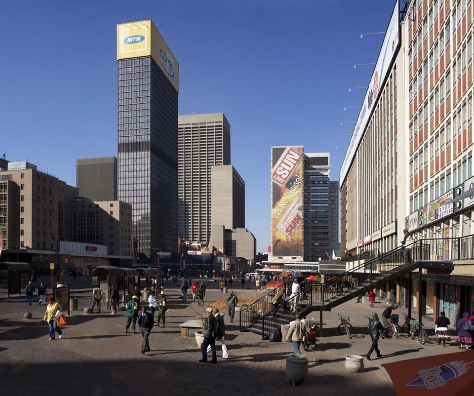 Lard buurman palcoscenico africa domus for Design coloniale olandese