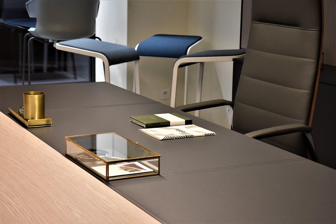 Quadrifoglio Mobili Per Ufficio.Quadrifoglio Group Uno Showroom Racconta L Ufficio Nel Cuore Di