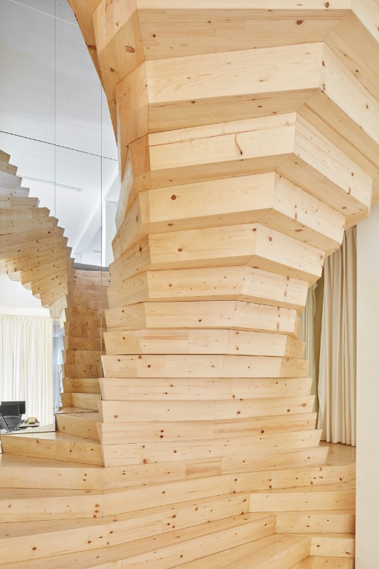 A Free Standing Cantilevered Staircase In Shoreditch Domus