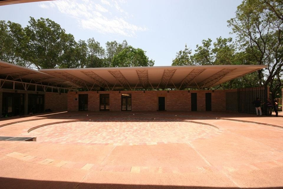 Kéré organizes the Mali National Park's sports center around a courtyard/square. Photos Francis Kéré