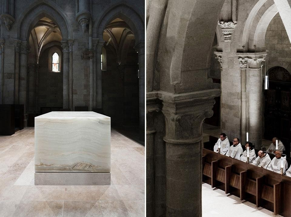 Left: onyx is named in Genesis as being present in the Garden of Eden and in the Book of Revelation as one of the twelve precious stones identified in the foundations of the New Jerusalem. Right: The warm reddish hues of the solid walnut stalls and pews create an important visual connection with the surviving marble elements of the medieval interior