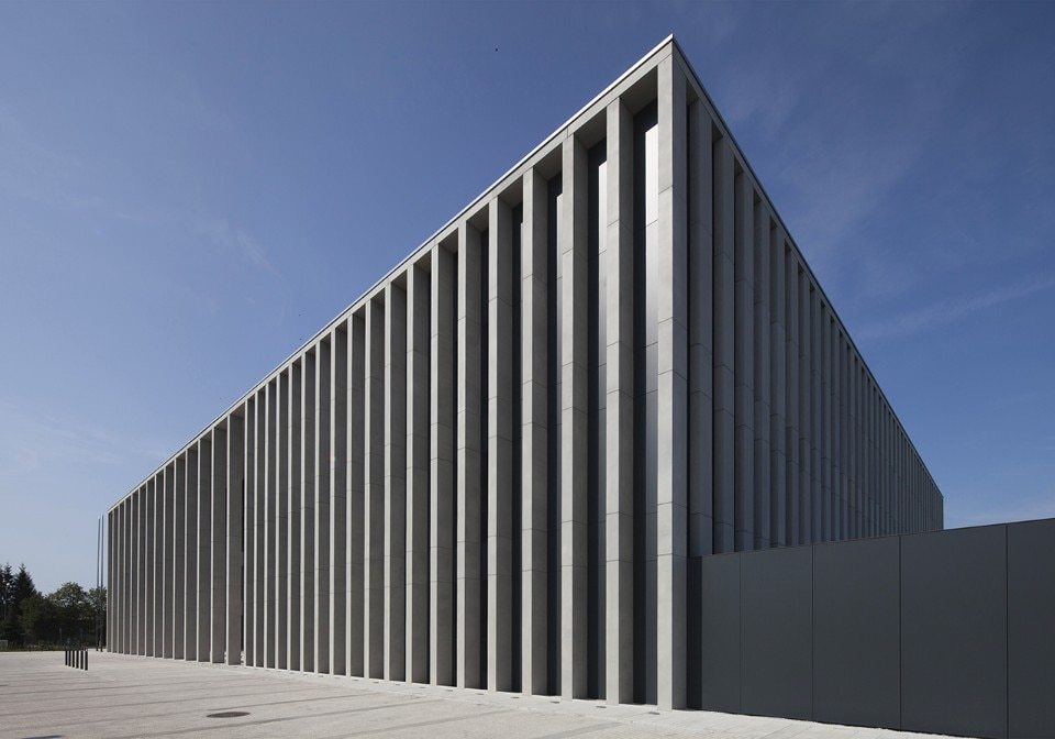 Poland. A vertical courthouse
