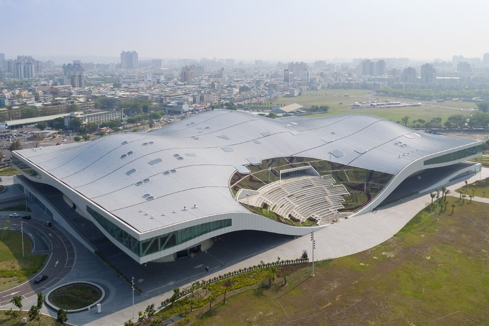 Kaohsiung. Mecanoo's huge performing arts centre is inspired by banyan trees