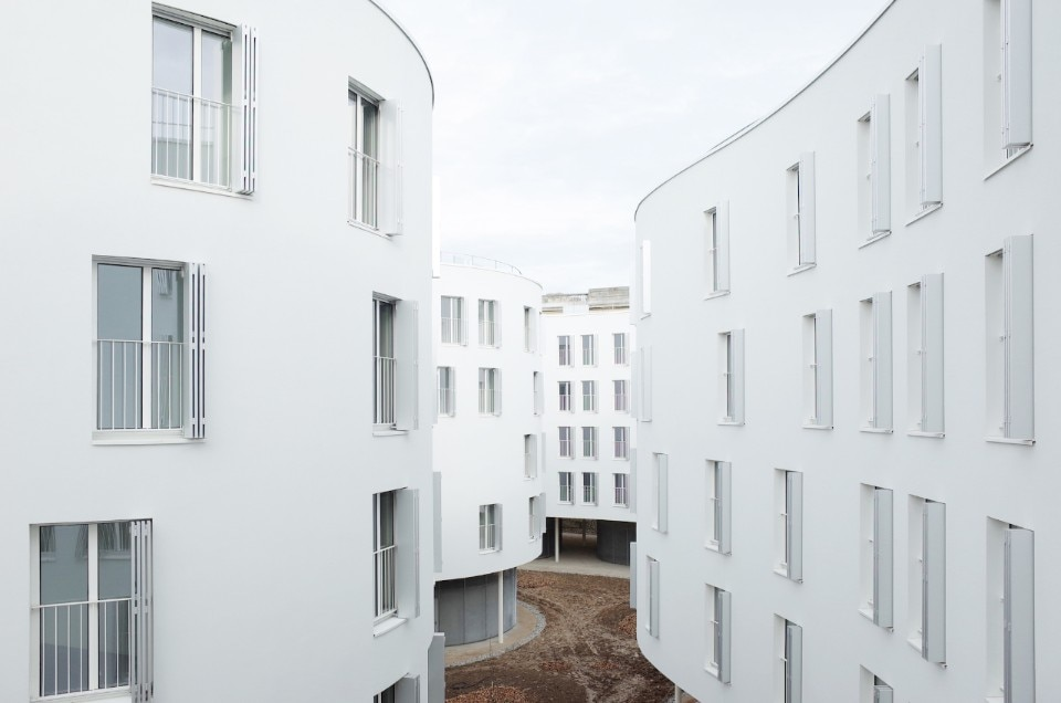 Organic housing project in Paris by SANAA