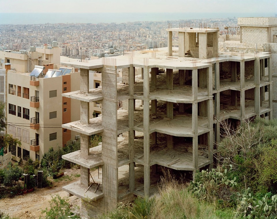Photo-reporting of  Dahiye, sneak-pics of a Beirut's suburb