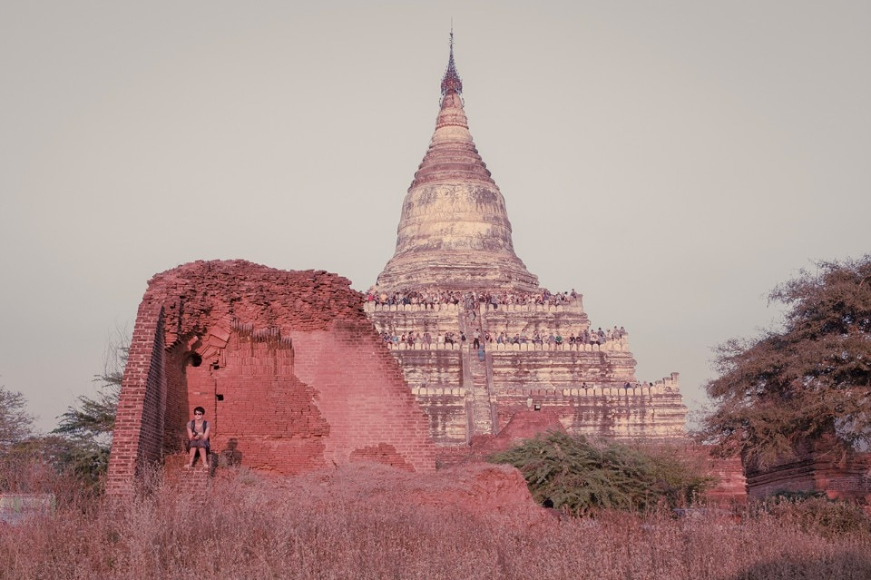 Photo-essay. Myanmar between spirituality and tourism