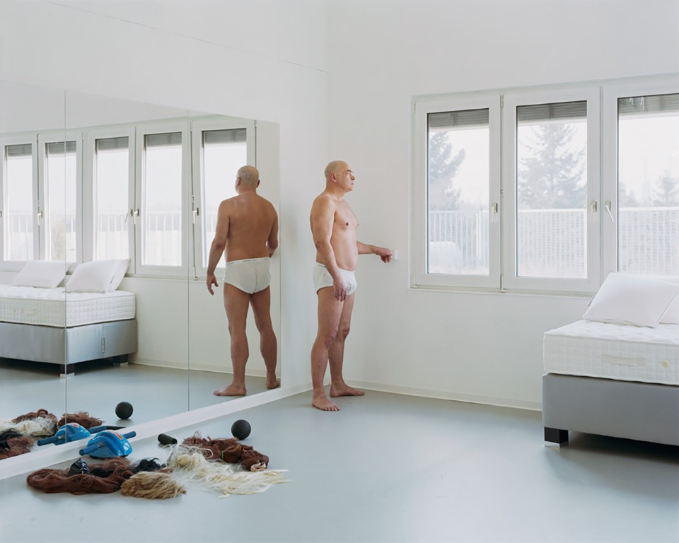 Let me in: the rooms within a view of Alec Soth