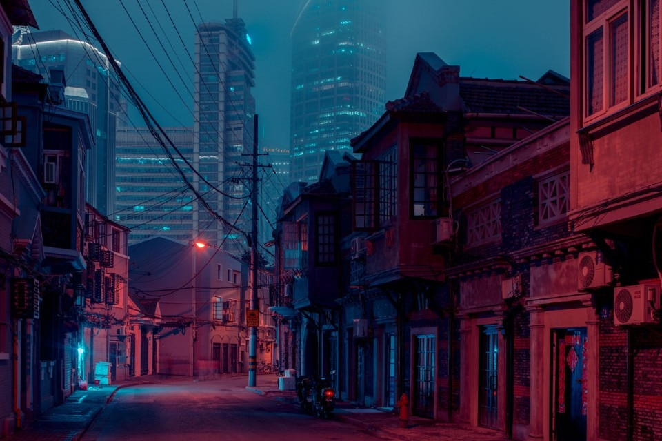 Capturing Shangai's disappearing streets