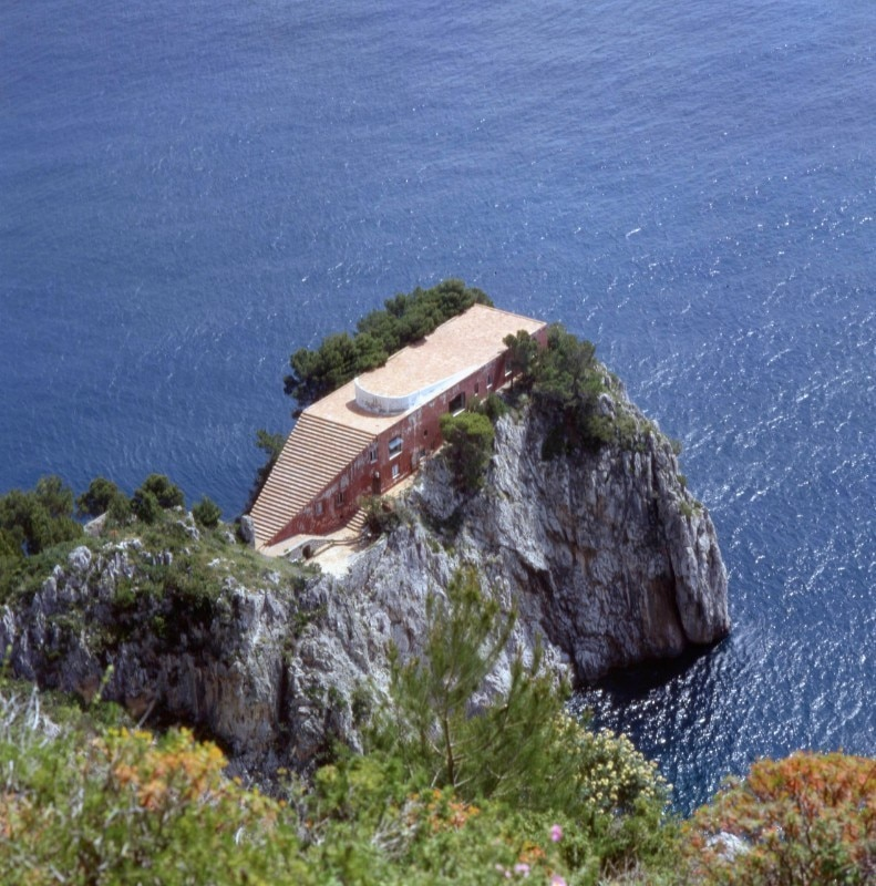 Curzio Malaparte: story and behind-the-scenes of the writer's Villa