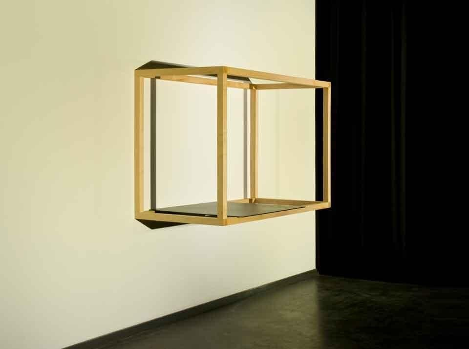 The living structure: table versa