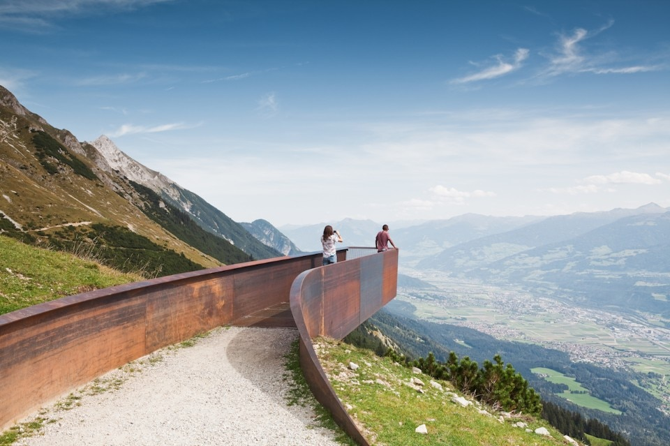 Snøhetta suspends platforms in Corten above Innsbruck