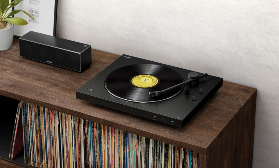 Sony's new minimal Bluetooth turntable mixes old and new