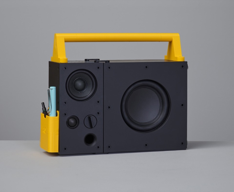 Ikea hacks: Freqvens, a hi-fi system with modular 3D printable accessories
