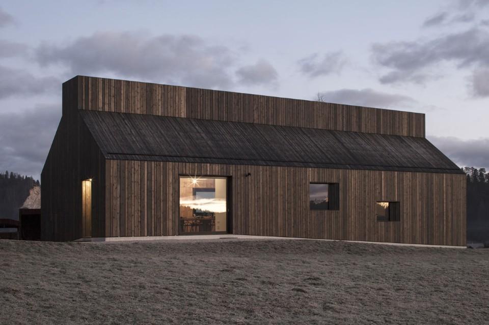 Casa camino domus for Architettura vernacolare