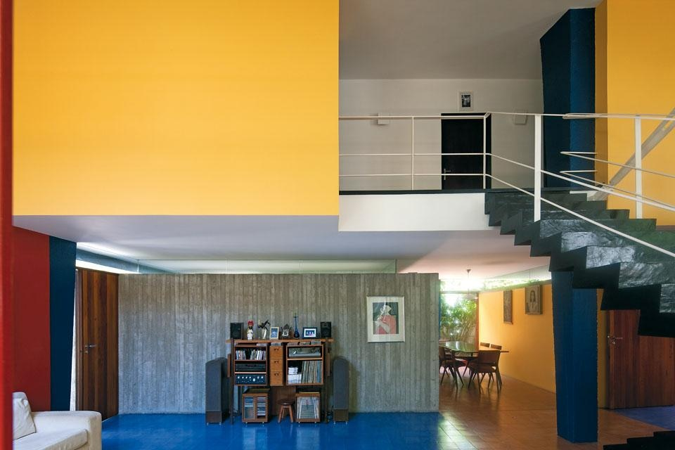 Two houses by Jo&atilde o Vilanova Artigas
