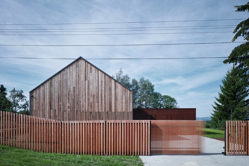 The Engel House revisits traditional Czech typologies