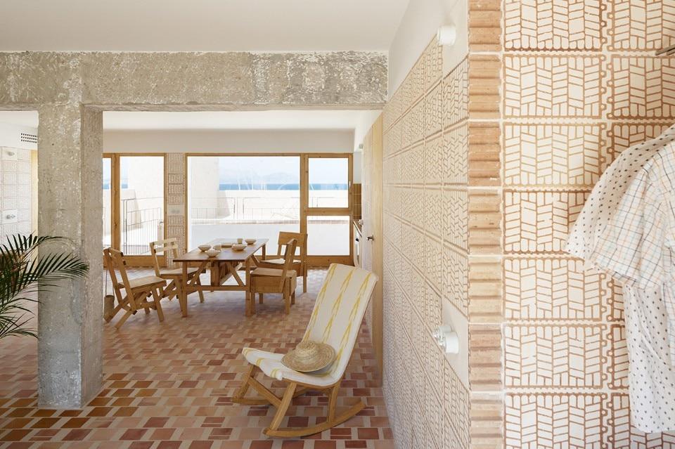 Mallorca. A modest building transformed using bold brick patterns