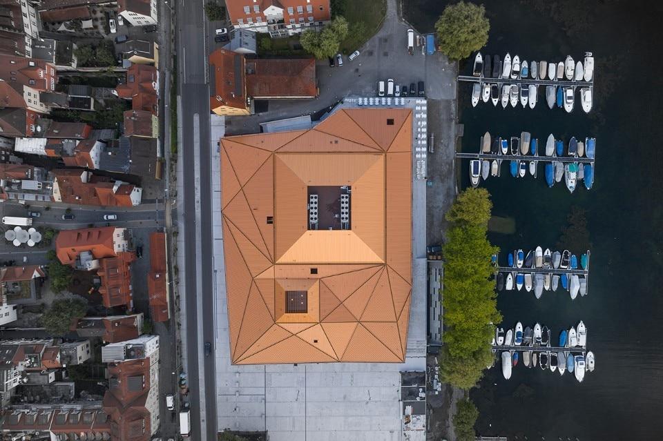 Auer Weber designs an elegant monolith on Lake Constance